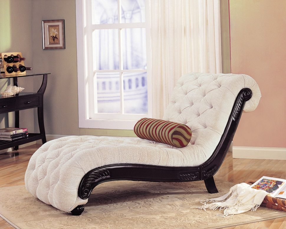 chaise lounges for alternate living room seating